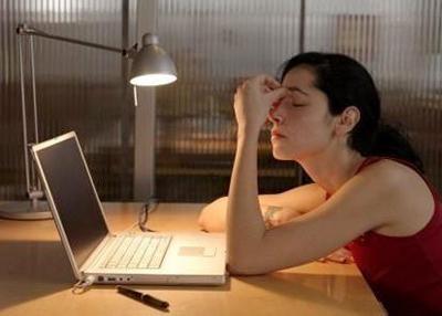 夜班可能会增加女性罹患卵巢癌的风险,夜猫子则不然