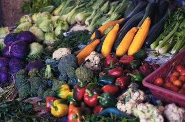 多吃绿叶蔬菜和粗粮可以降低心衰的风险