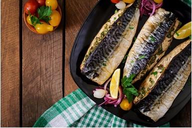 经常吃鱼可缓解类风湿性关节炎的症状